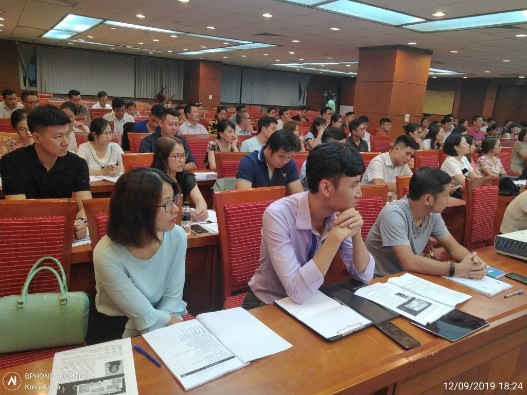 Khóa học giám đốc điều hành chuyên nghiệp do Vân Nguyên tổ chức