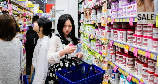 Màu sắc cũng ảnh hưởng đến tâm lý mua hàng của người tiêu dùng